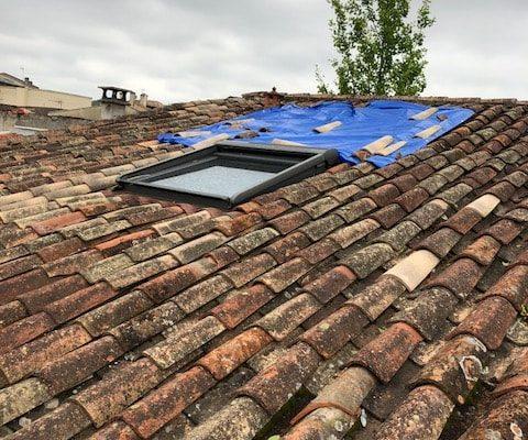Réparation de fuite sur toit par Dominique Rénovation